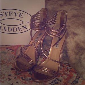 Steve Madden: Ariella Rose Gold